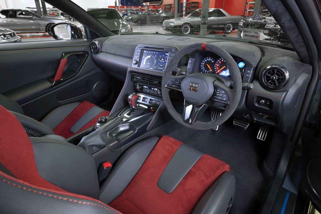 2022年式Nissan GT-R NISMO內裝。 圖/Nissan提供