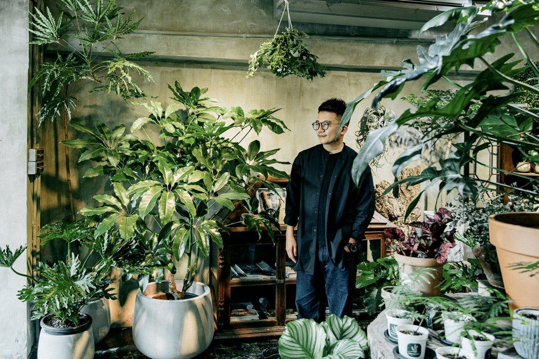 Rex認為,跟剛剛養植物相比,現在比較沒有煩惱。 圖/施清元攝影