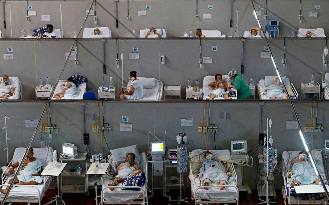 巴西深受變種病毒影響,圖為聖保羅州當地一家臨時建成的醫院。 圖/法新社