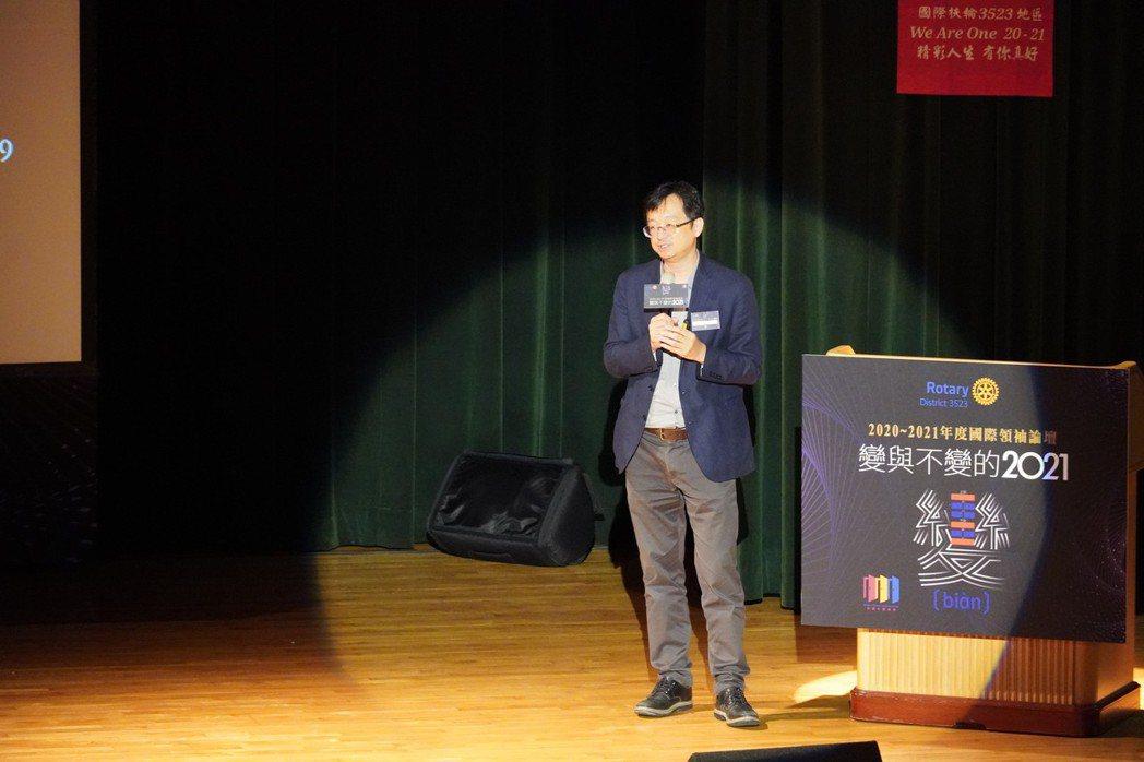 主講人VERSE雜誌創辦人張鐵志以「文化」為題演說。   湯詠竹/攝影