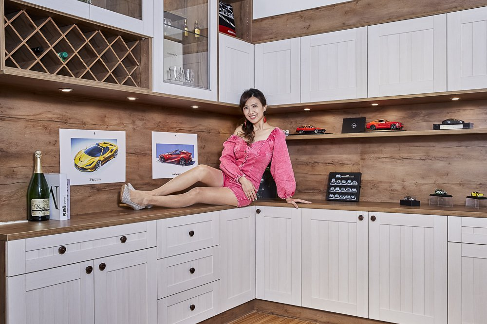 歐德集團為車界女神廖盈婷,打造一應俱全絕美攝影棚。