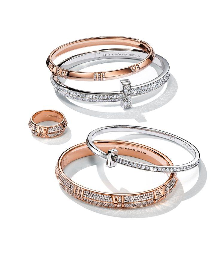 Tiffany T1 18K白金寬版鑲鑽手環,約106萬元;18K白金窄版鑲鑽手...