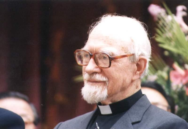 匈牙利籍神父葉由根奉獻一生,獲李登輝總統親頒紫色大綬景星勳章。圖/聯合報系資料照