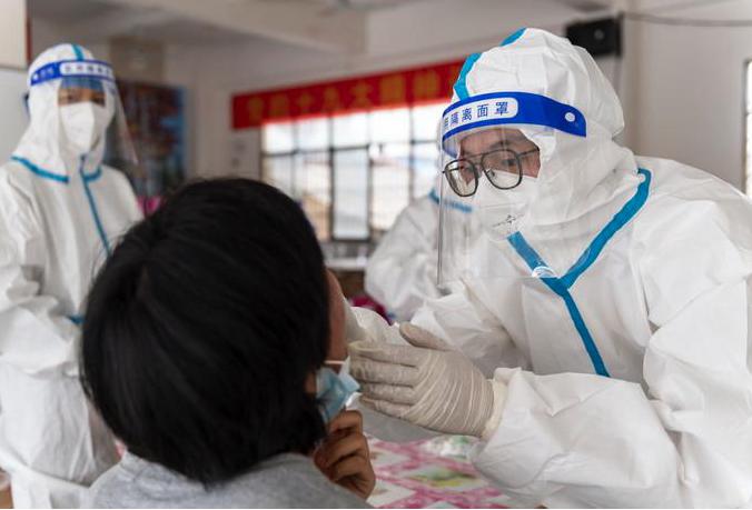 中國大陸十三日新增確診病例12宗,本土病例1宗在雲南瑞麗。(新浪微博照片)