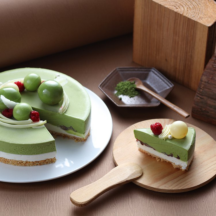 「FAYA法雅」跳躍玄米抹茶冰淇淋蛋糕,momo購物網活動價999元。圖/mom...