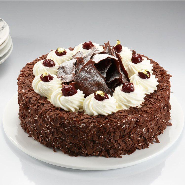 「亞尼克菓子工房」德國黑森林6吋蛋糕,momo購物網活動價869元。圖/momo...