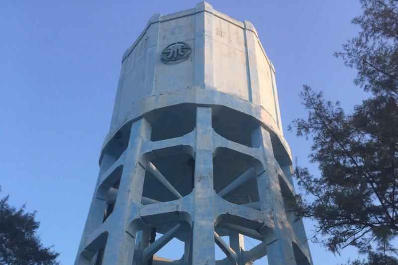 近90年歷史的朴子水塔,是當地重要地標。圖/聯合報系資料照片