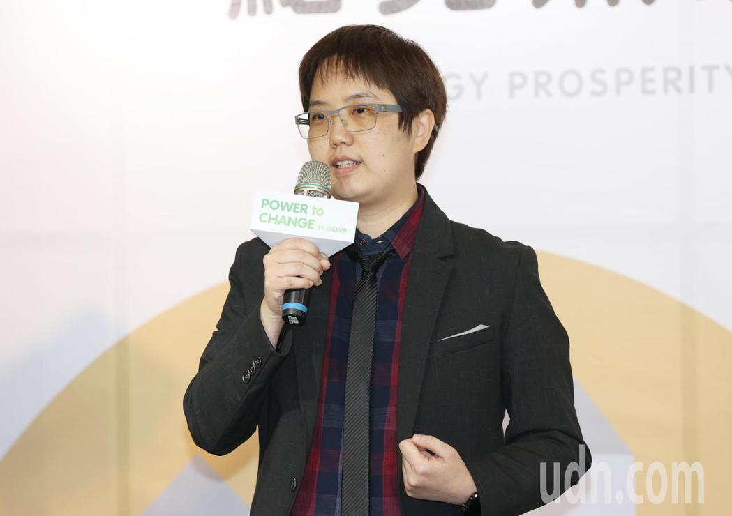 星展數位金融部資深副總裁何益萍表示,星展銀行有「綠色存款」,只要有客戶來辦存款,...