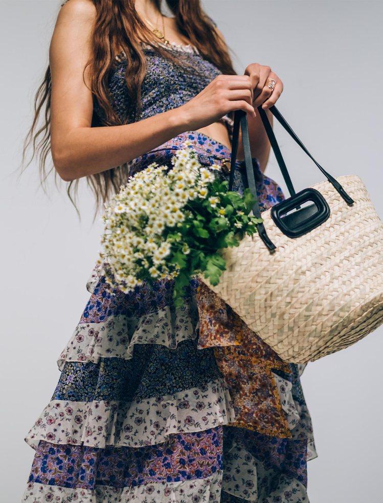 maje棕色織籃包,10,400元。圖/maje提供