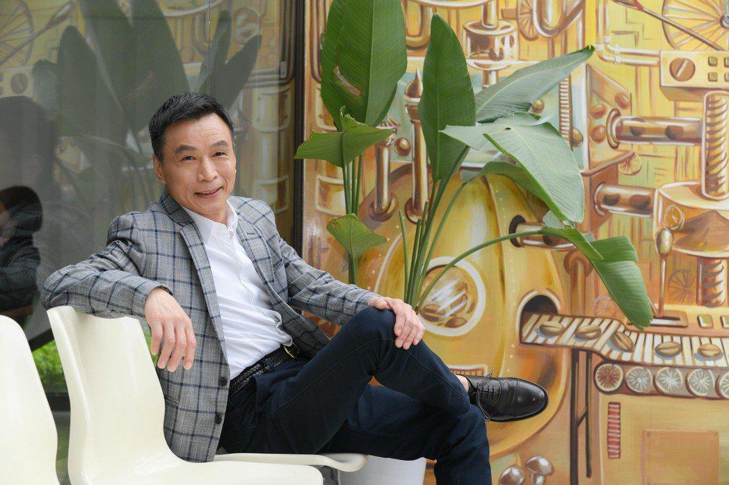 李天柱很憂心台灣電視台不斷重播的狀態認為應該要有自己的作品。圖/三立提供