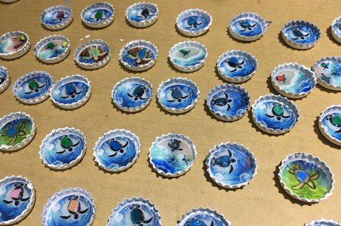 首批「東港限定版」以小琉球最具代表性元素的海龜作主要圖樣,象徵著小琉球「減塑救海...