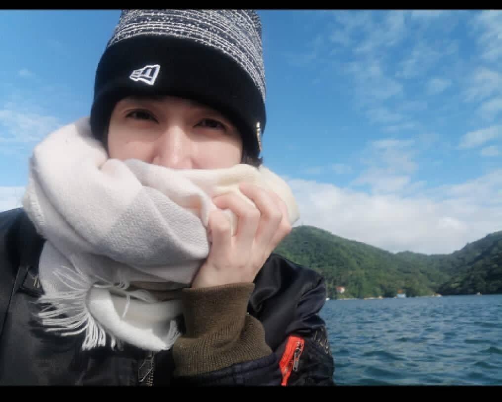 小薰以前回仙島,都由爸爸開船走水路,可見過去石門水庫滿水位時的湖光山色。圗/小薰...