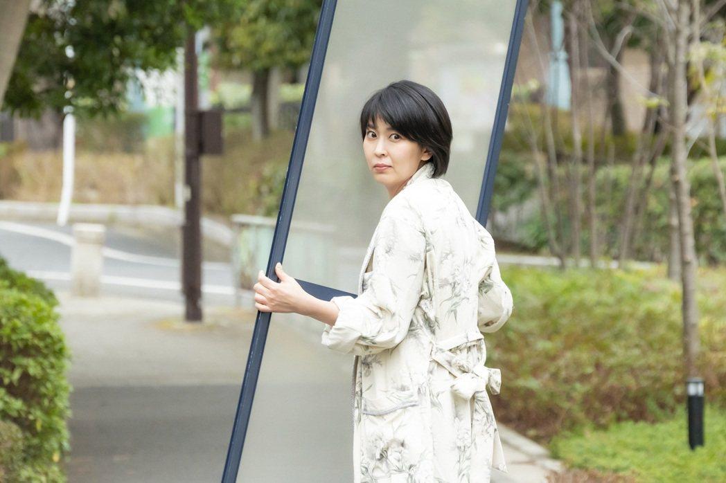 松隆子在日劇「大豆田永久子與三個前夫」飾演失婚3次的女社長。圖/friDay影音...