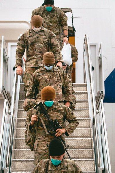 拜登政府宣布,九月十一日前全部美軍自阿富汗撤軍,也就是在九一一恐怖攻擊廿周年紀念日前,結束美國史上最長的海外戰爭。(法新社)