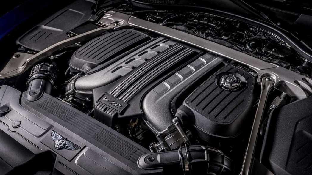 6.0升W12雙渦輪增壓引擎,最大動力有650hp/91.8kgm。 圖/Ben...