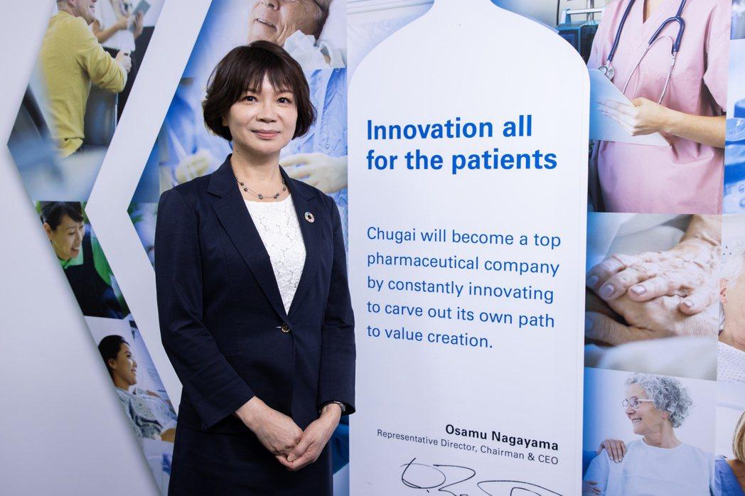 台灣中外製藥人資部長周淑升,是企業發起綠色行動的重要推手,她說做環保不是要員工「...
