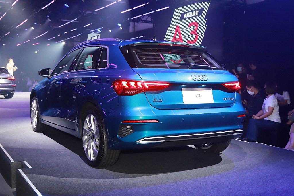Audi A3 Sportback 30 TFSI搭載1.0L渦輪引擎,可輸出1...