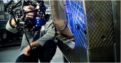 新款MetraSCAN Black系列無須消光噴粉及貼點即可掃描,協助車業精準掃...