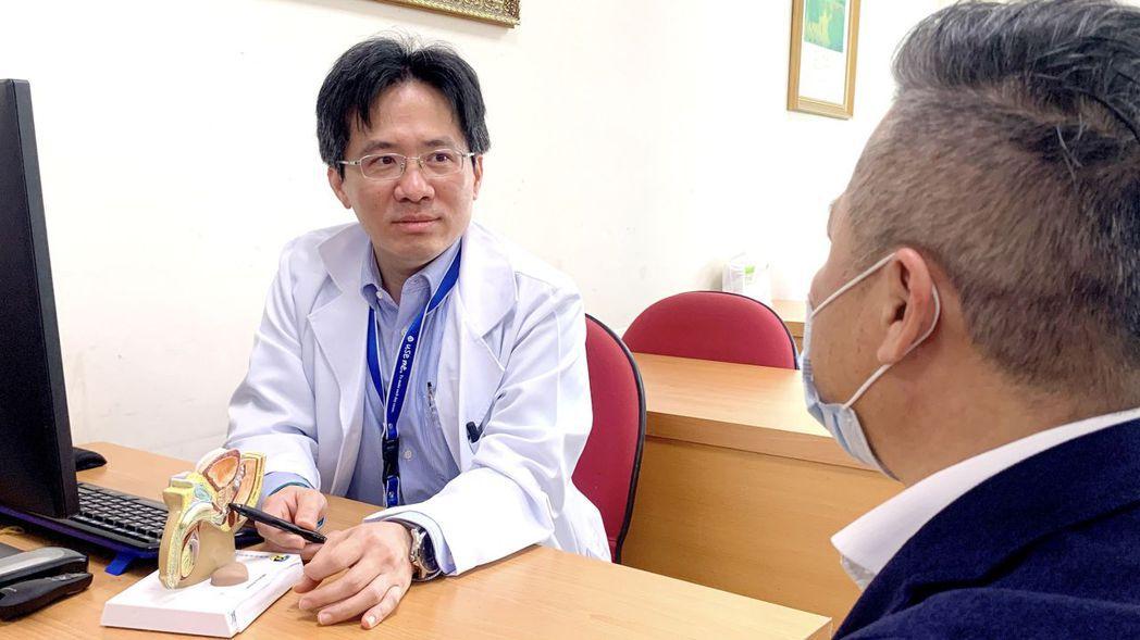 在台灣有三成以上的患者,確診攝護腺癌時都已經是晚期,並伴有癌細胞轉移的狀況。 高...