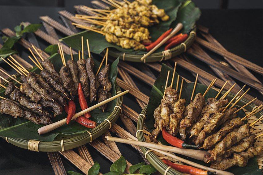 星馬美食「烤肉串」。 新竹老爺酒店/提供