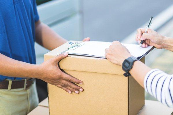 過去一手交錢、一手交貨的消費習慣已逐漸產生轉變,送貨到府或店取有更多的發展趨勢,...