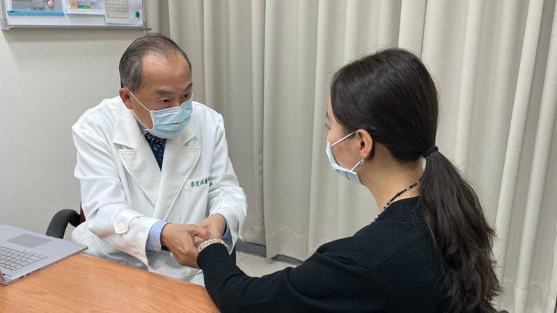 蔡世滋醫師提醒類風濕性關節炎患者應該積極就醫,才能維持生活品質。醫師/提供