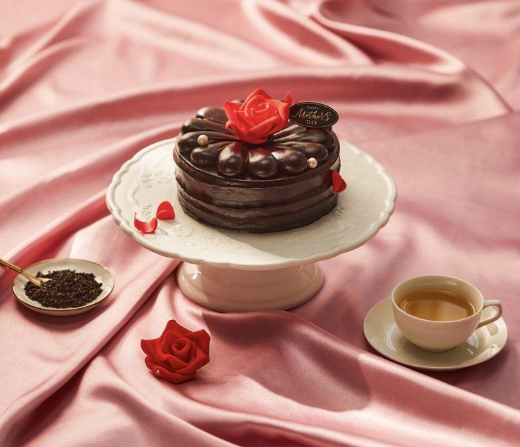 BAC推出母親節限定的「花之心 伯爵茶巧克力蛋糕」,6吋售價990元。圖/BAC...