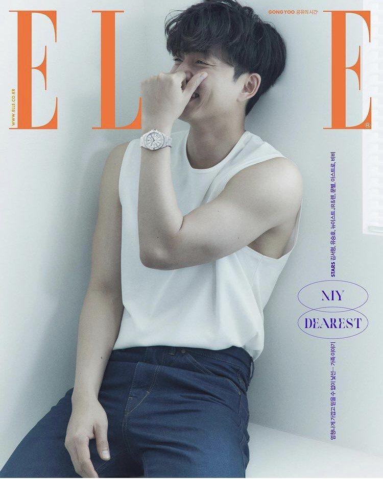 韓國巨星孔劉配戴香奈兒J12腕表登上時尚雜誌封面。圖/取自IG