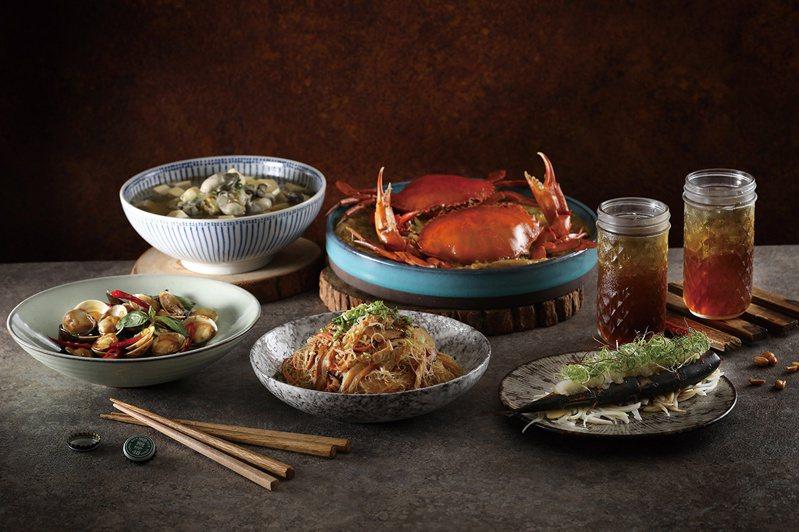 「筷炒」母親節套餐原價3,735元+10%,優惠價3,500元+10%。圖/遠百提供