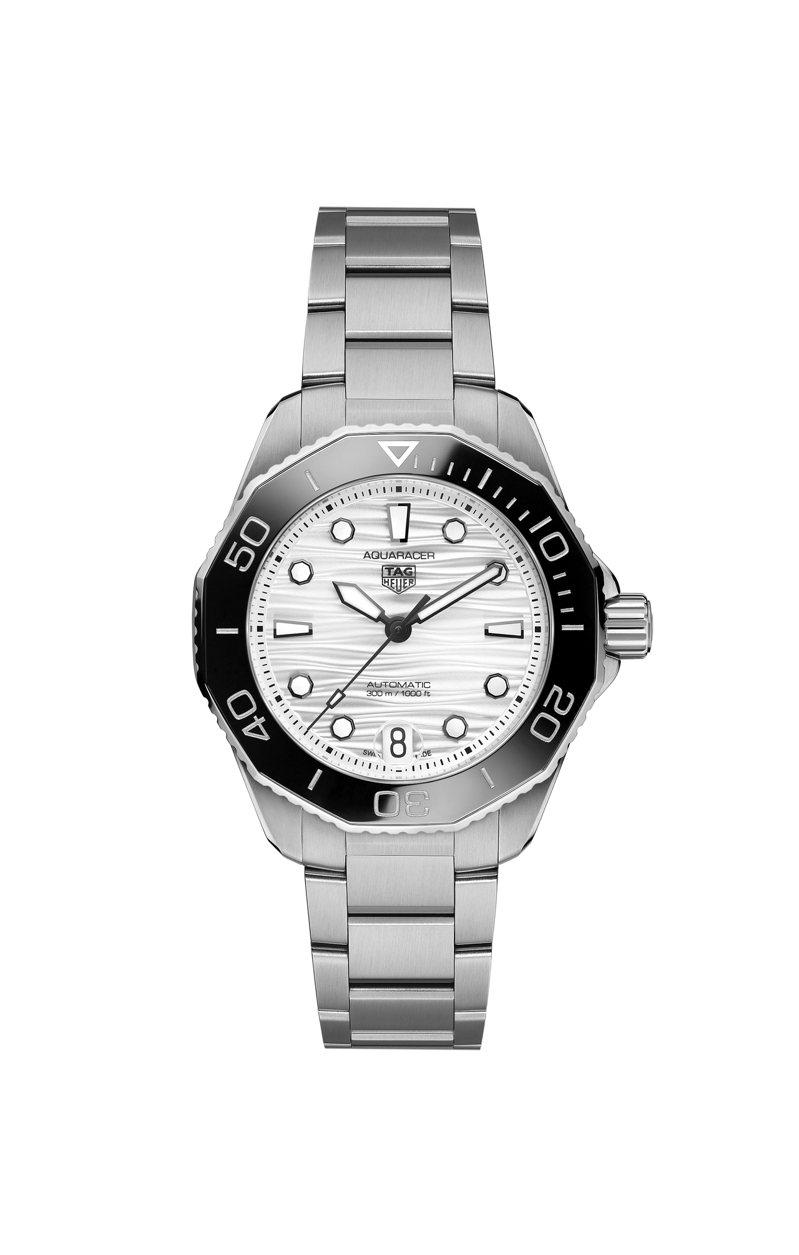 泰格豪雅Aquaracer Professional 300米自動腕表,精鋼表殼、表鍊,搭配黑色陶瓷表圈,表徑36毫米約92,500元。圖/TAG Heuer提供
