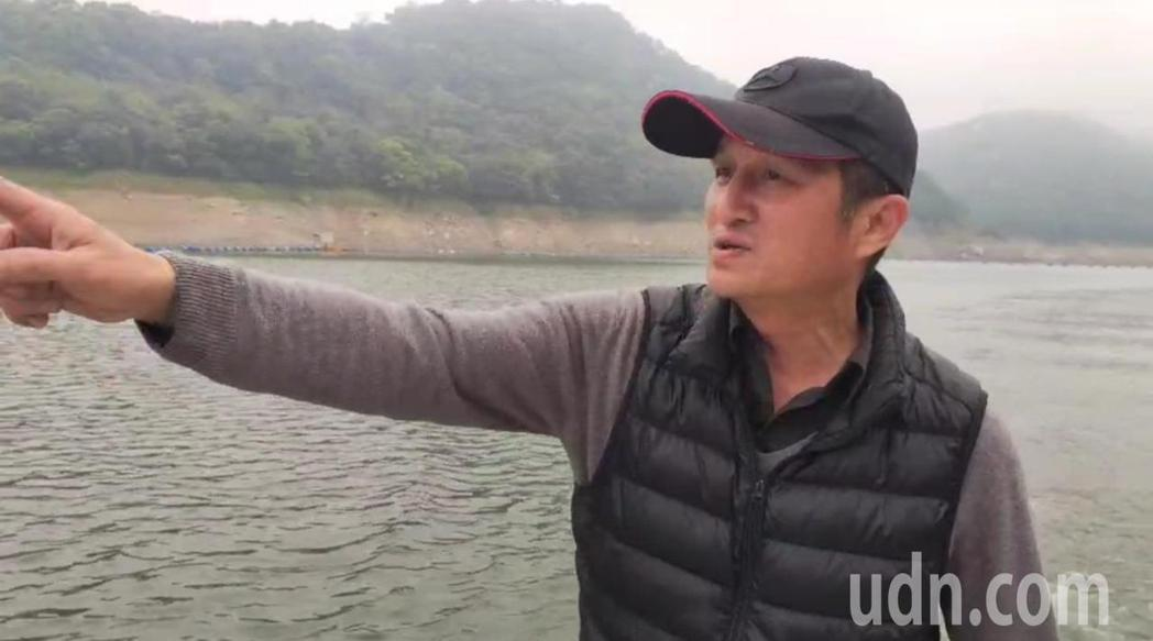 黃志靖是仙島第三代住民,他感慨沒有一條安全的聯外道路。記者鄭國樑/攝影