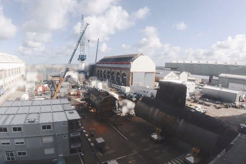 法國海軍據報必須維持6艘攻擊潛艦編制,才會想到繼續利用剛退役的「藍寶石號」艦身與「珍珠號」的未受損艦身,以撐到新式蘇弗朗級核潛2030年全數成軍為止。法新社/海軍集團(AFP PHOTO /NAVAL GROUP)