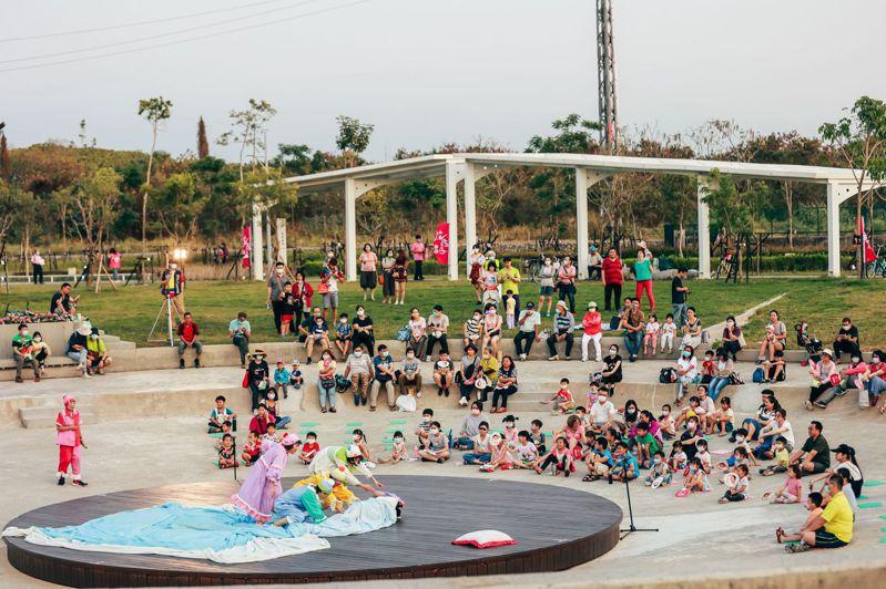 屏東縣民公園以「Heito 1909」為主題,參加2021美國繆思設計獎,獲景觀類「公園與開放空間」首獎殊榮,讓世界看見屏東。圖/屏東縣府提供