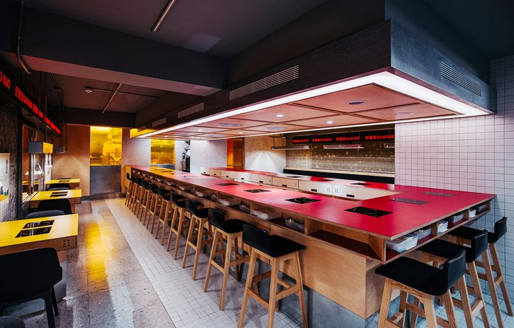 好運郭設於台北東區商圈,主打個人化鍋物。圖/LA-KI-KUO好運郭提供