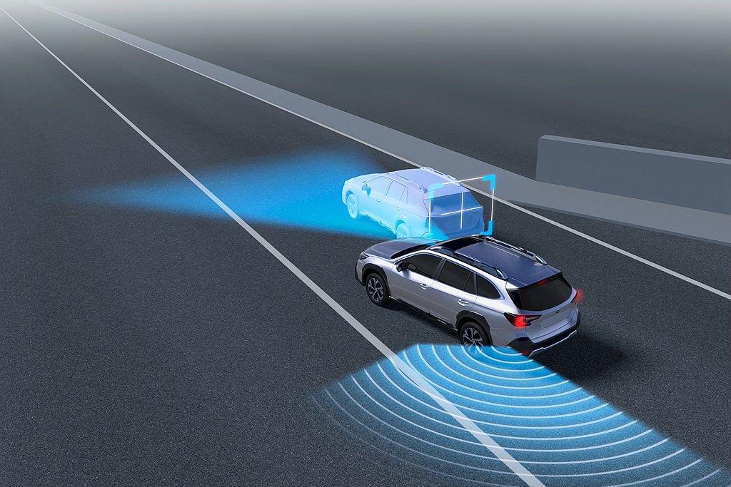 「AES緊急自動轉向輔助系統」:結合「PCB預防碰撞自動煞車系統」進行升級強化,...
