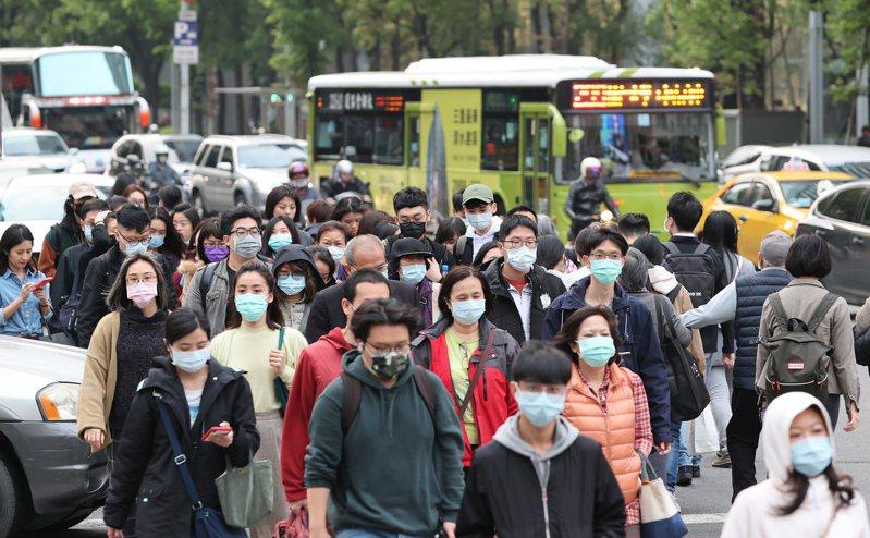 國外實況主分享了自己在台灣過馬路的經驗。 聯合報系資料照/記者潘俊宏攝影(示意圖,非新聞當事者)