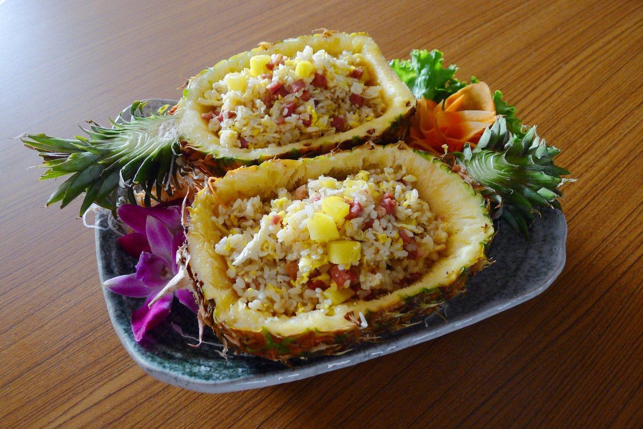 台南市藥師公會結合餐廳業者推出鳳梨養生系列大餐。 圖/藥師公會提供