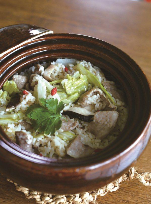 麻油松阪豬土鍋炊飯。 圖/悅知文化 提供