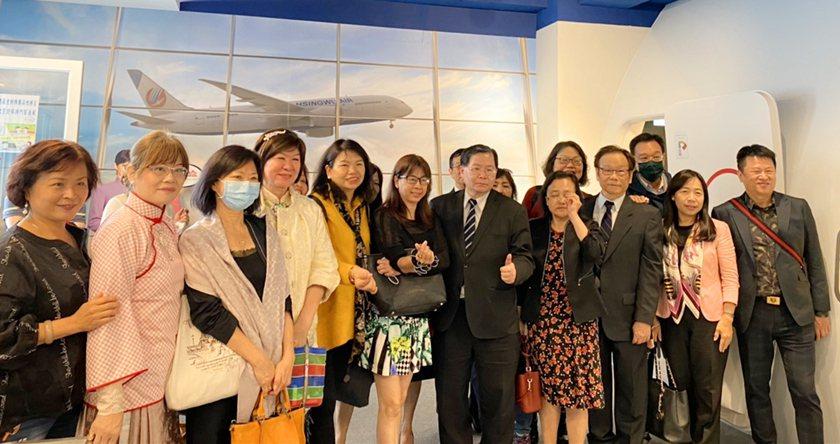 台北市高中高職家長協會參觀醒吾科大航空模擬教室。 醒吾科大/提供