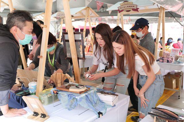 「博學古城‧愛遊藝術」特色體驗市集,現場也有集章換禮品活動,再創商圈話題與亮點。...