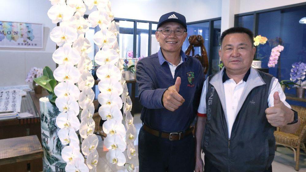 世茂農業生技總監黃崇德(左),董事長李文泰(右)兩人合作打拼,專業生產高品質蝴蝶...