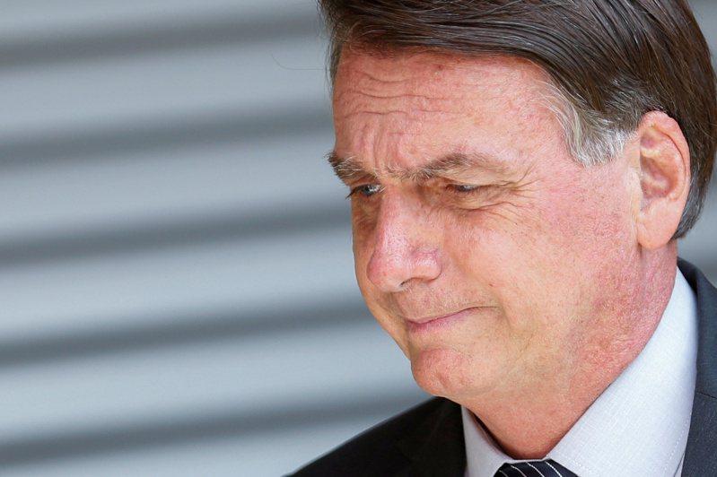 巴西官員今天表示,波索納洛(Jair Bolsonaro)總統已致函美國總統拜登,矢言在2030年之前終結巴西的盜伐林木現象,並爭取大筆財政援助以達此目標。 路透社