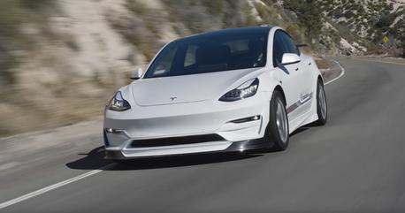 影/Tesla Model 3能改裝成 911 GT3 RS殺手?