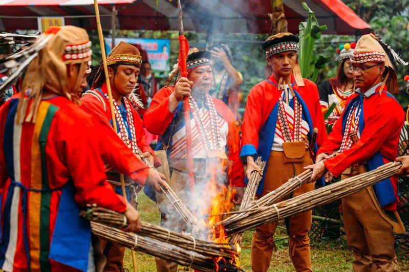 全國原住民人口有57萬7千餘人,原民文化資產因有其特殊性。圖為卡那卡那富族的「米貢祭」祭儀。圖/高雄市歷史博物提供