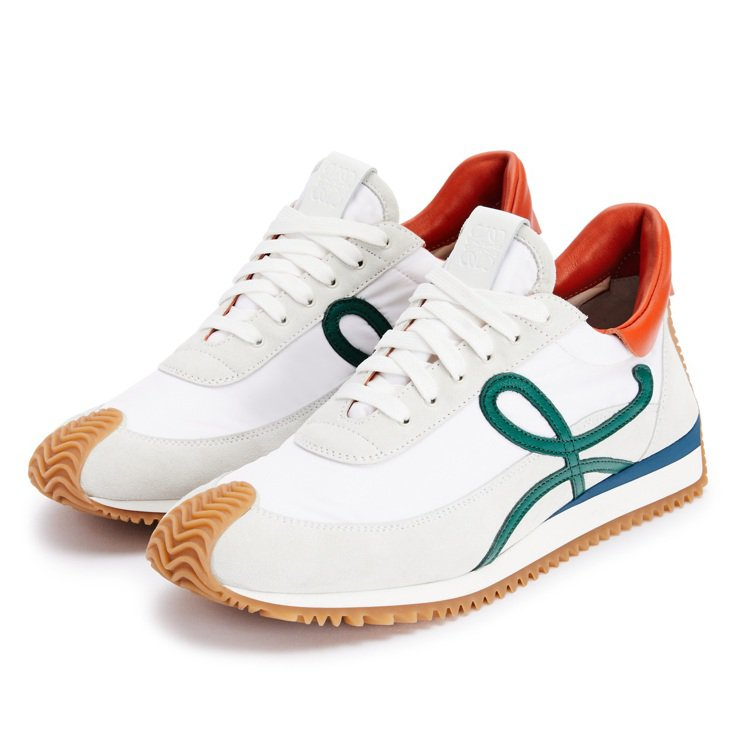 Flow Runner運動鞋,24,000元。圖/LOEWE提供