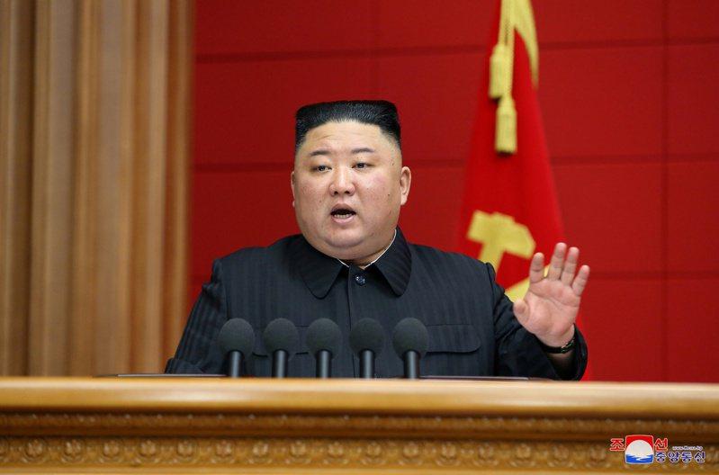 美國智庫戰略暨國際研究中心(CSIS)最新發表報告指出,近期拍攝的紅外線影像分析結果顯示,北韓寧邊核子設施的暖氣及設施支援系統在3、4月持續有運作跡象。圖為北韓領導人金正恩。圖/路透
