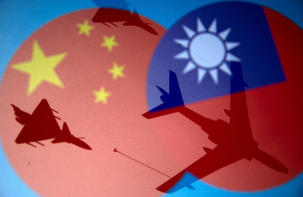 近來中共軍機頻繁擾台,拜登與菅義偉計劃共同公開關切台灣局勢。圖/路透