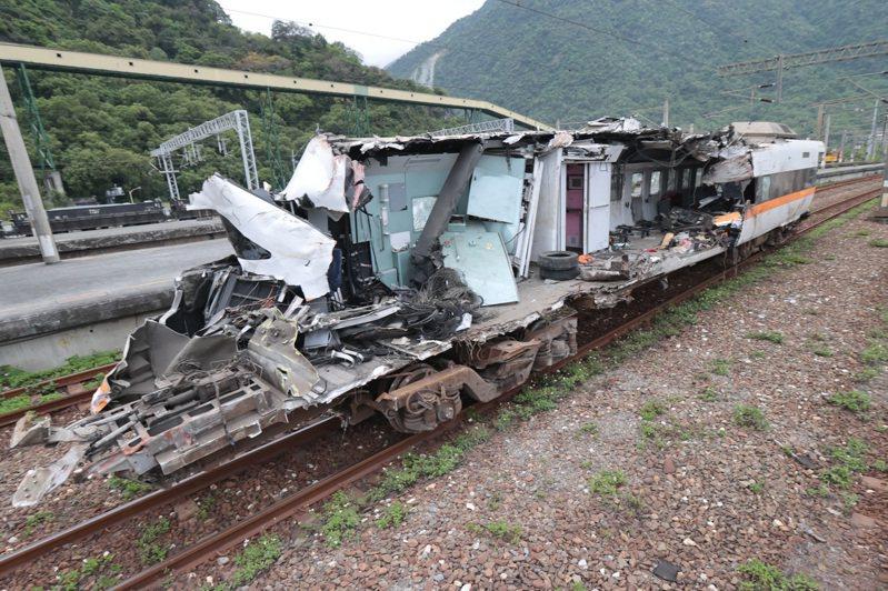 太魯閣號撞車事故造成嚴重傷亡。記者蘇健忠/攝影