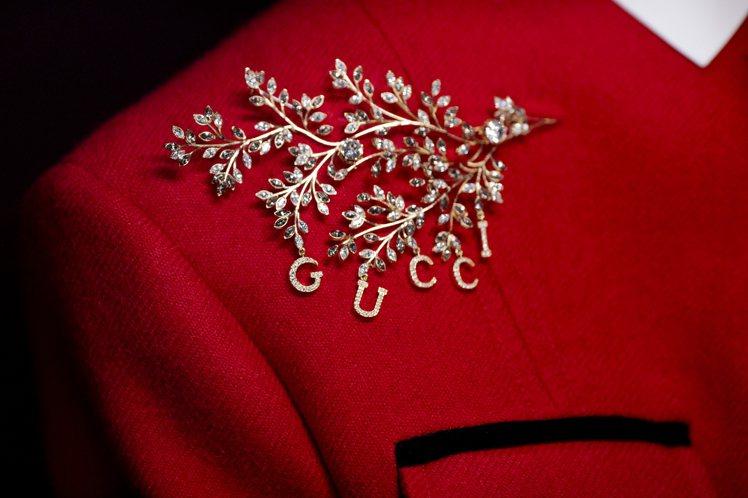 珠寶配件在「時尚詠嘆調」中成為點睛的華麗細節。圖/GUCCI提供