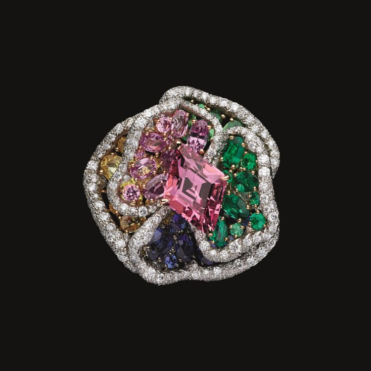 RoseDior Rosé Foncé粉紅尖晶石鑽石戒指,1,200萬元。圖/D...